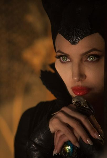 Maleficient Angelina Jolie